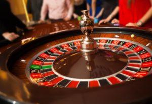 casino Neon Reels, La Revue